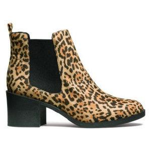 H&M Leopard Ankle Chelsea Bootie size 5.5
